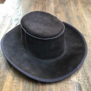 Skully's men's suede leather vintage hat .